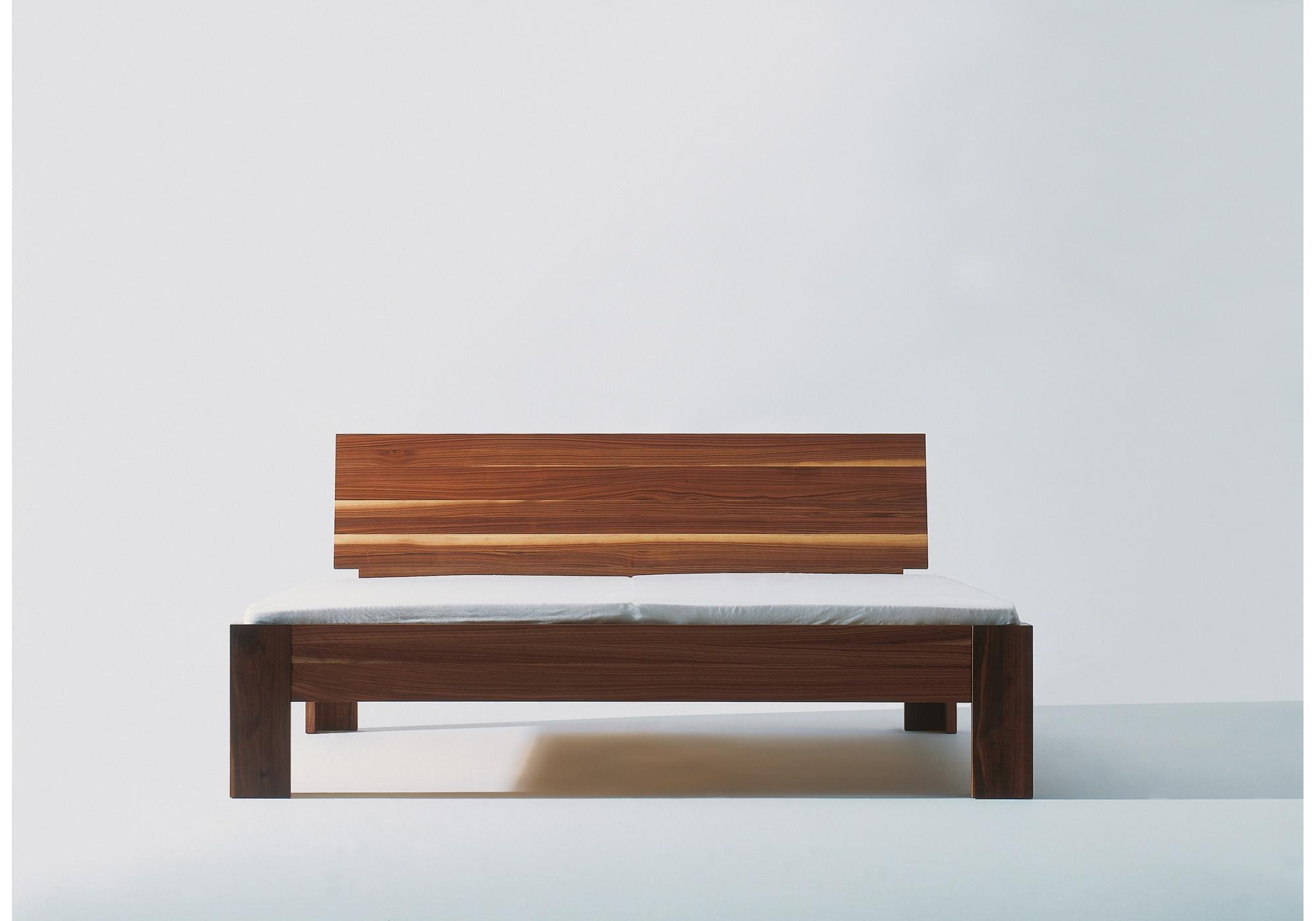 Feldkircher Massivholzbett Antonio - von vorne